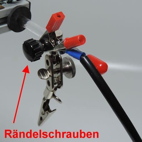 Rändelschrauben zum Verschieben der Elektrodenhaltearme