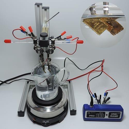 kolloidales Gold elektrolytisch mit zwei Goldbarren herstellen