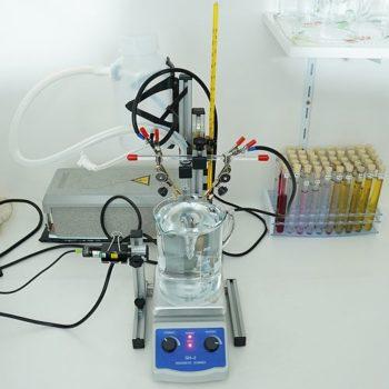 180-Watt Magnetrührer bei der Kolloidherstellung